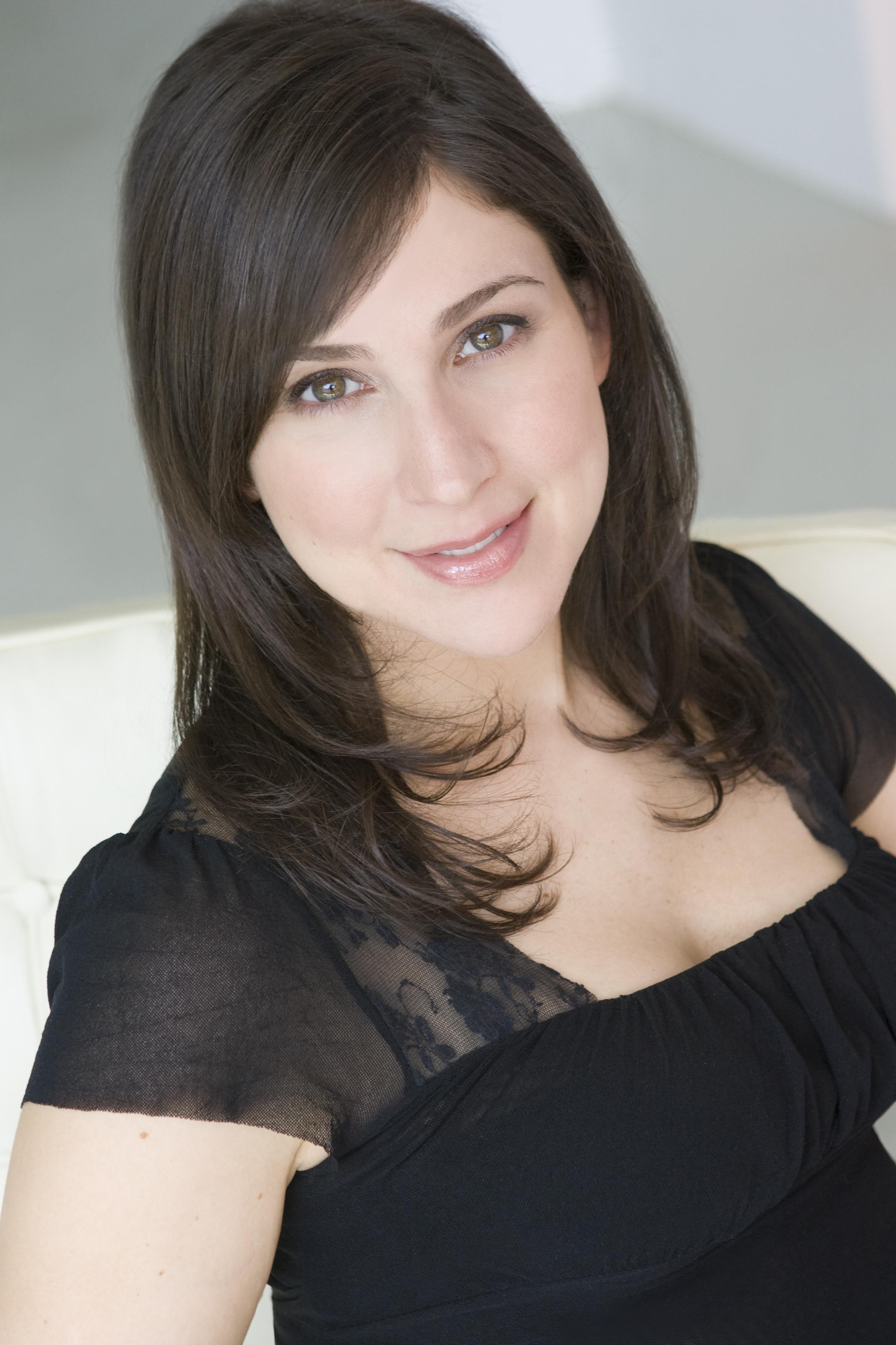 Brenda Janowitz Official Headshot